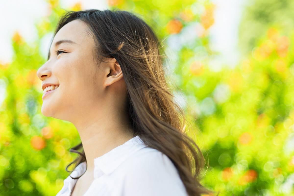 歯列矯正で横顔美人になれる?歯並びとEラインの関係とは