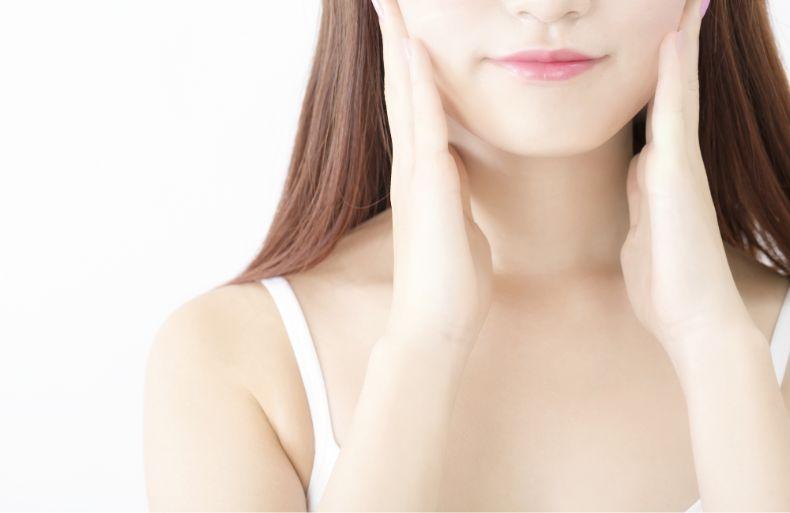 私の口元、左右非対称かも…顎変形症は矯正と手術で治せます
