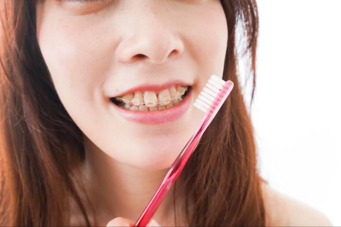 矯正治療中に虫歯になったらどうするの?